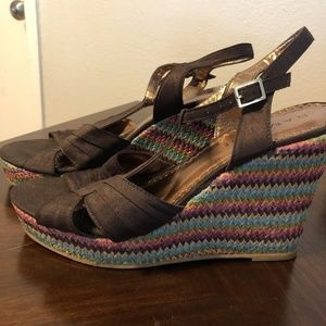 Rampage Sandals Wedges Womens 9.5 Brown Chevron